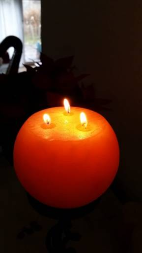 The Celtic Fragment Christmas Candle